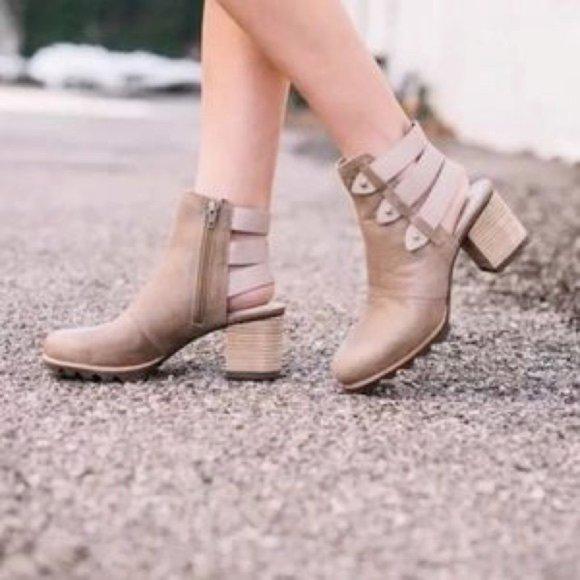 Sorel Shoes   Addington Bootie 65